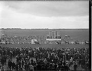 """30/06/1962 <br /> 06/30/1962<br /> 30 June 1962<br /> Irish Sweeps Derby at the Curragh Racecourse, Co. Kildare. The dramatic finish to Europe's richest race as """"Tambourine II"""", R. Poinclet up, on the rails beats """"Arctic Storm"""" W. Williamson up, by a short head, with """"Sebring"""", T.P. Glennan up, in 3rd place a good four lengths away."""