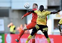 Fotball ,11. mai 2016 , EIiteserien ,Tippeligaen ,  Lillestrøm - Brann 1-0<br /> Azar Karadas , Brann<br /> Bonke Innocent , LSK