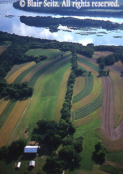 Southcentral Pennsylvania, Aerial Photographs Farmlands, Mixed Cultivation, Farm and <br /> River, Susquehanna River, Perry County, PA