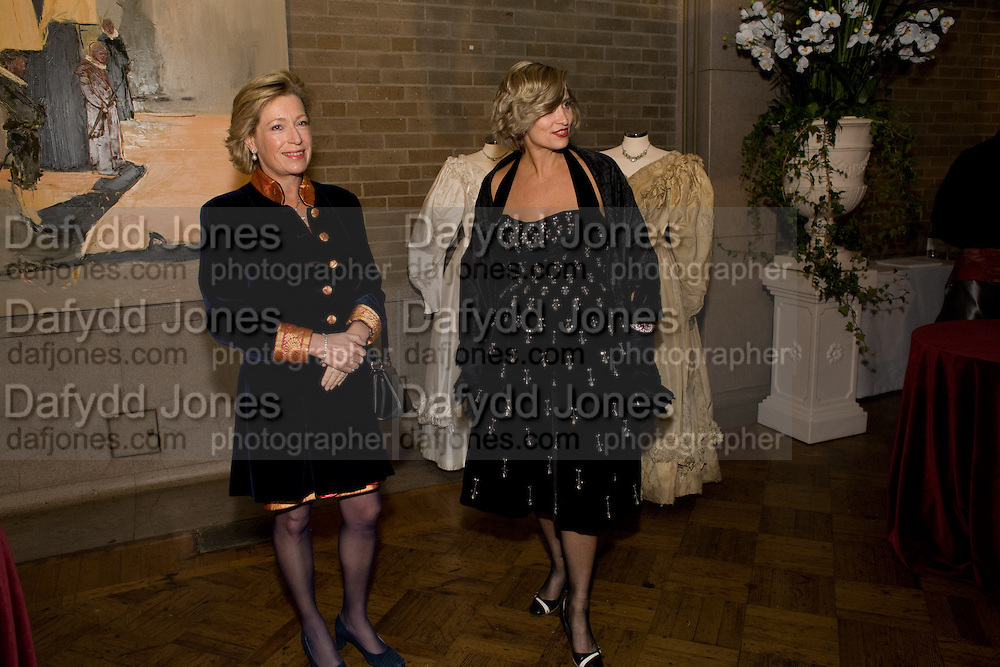 JUDY WELCH; KIRSTY ANSON, The Royal Shakespeare Company (Stratford) fundraising dinner and auction to benefit company's Artists' Development Programme. Lawrence Hall, Greycoat St. London. 28 October 2008 *** Local Caption *** -DO NOT ARCHIVE-© Copyright Photograph by Dafydd Jones. 248 Clapham Rd. London SW9 0PZ. Tel 0207 820 0771. www.dafjones.com.