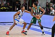 DESCRIZIONE : Campionato 2014/15 Dinamo Banco di Sardegna Sassari - Sidigas Scandone Avellino<br /> GIOCATORE : Justin Harper<br /> CATEGORIA : Palleggio Controcampo<br /> SQUADRA : Sidigas Scandone Avellino<br /> EVENTO : LegaBasket Serie A Beko 2014/2015<br /> GARA : Dinamo Banco di Sardegna Sassari - Sidigas Scandone Avellino<br /> DATA : 24/11/2014<br /> SPORT : Pallacanestro <br /> AUTORE : Agenzia Ciamillo-Castoria / Luigi Canu<br /> Galleria : LegaBasket Serie A Beko 2014/2015<br /> Fotonotizia : Campionato 2014/15 Dinamo Banco di Sardegna Sassari - Sidigas Scandone Avellino<br /> Predefinita :