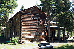 WY: Wyoming, Cody: Enroute to Yellowstone..Buffalo Bill's hunting lodge, Pahaska.Photo #: yellow812.Photo copyright Lee Foster, 510/549-2202, lee@fostertravel.com, www.fostertravel.com..