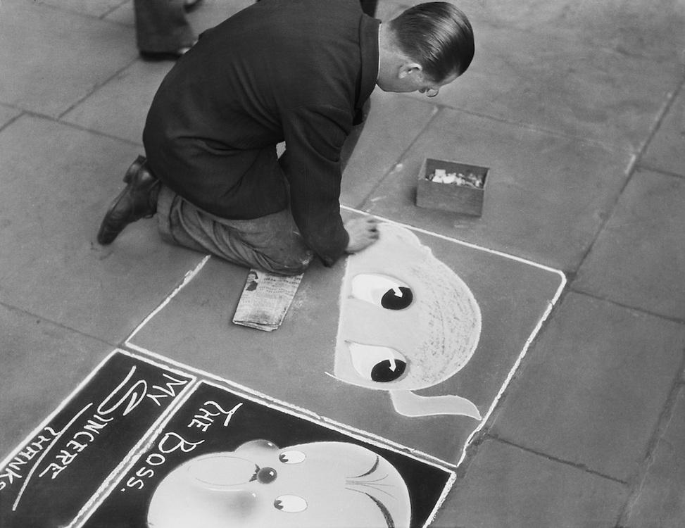 John Bentley - Pavement Artist on Embankment, London, 1933