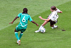 30.06.2011, Commerzbank Arena, Frankfurt, GER, FIFA Women Worldcup 2011, Gruppe A, Deutschland (GER) vs. Nigeria (NGA), im Bild:  Merstin Garefrekes (GER #18, Frankfurt) (R) gegen .Helen Ukaonu (Nigeria #6) (L)..// during the FIFA Women Worldcup 2011, Pool A, Germany vs Nigeria on 2011/06/30, Commerzbank Arena, Frankfurt, Germany.  EXPA Pictures © 2011, PhotoCredit: EXPA/ nph/  Mueller *** Local Caption ***       ****** out of GER / CRO  / BEL ******