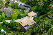 Nederland, Noord-Holland, Gemeente Huizen,  05-08-2014; Gooi : villa en garage met rieten dak in Huizerhoogt.<br /> Thatched villa in Huizerhoogt.<br /> luchtfoto (toeslag op standard tarieven);<br /> aerial photo (additional fee required);<br /> copyright foto/photo Siebe Swart