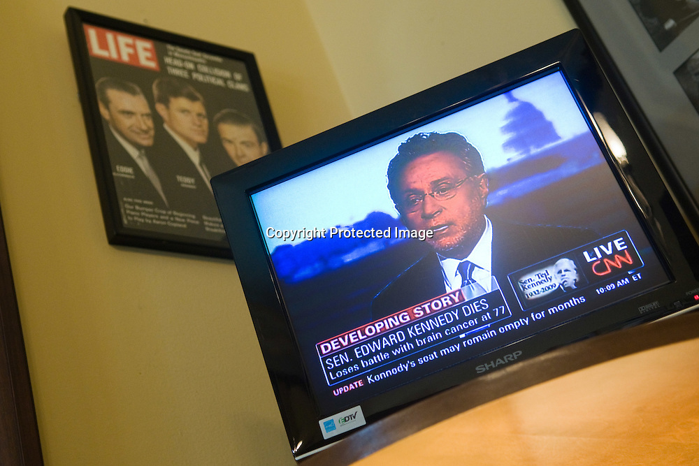 26 August 2009-WashingtonDC- A view of a television showing the news of Sen Ted Kennedy's(D-MASS) death in his Washington DC office in the Russell Senate Office Building on Capitol Hill in Washington DC on August 26, 2009. Senator Kennedy passed away from brain cancer late Tuesday night. Photo Credi: Kris Connor/Sipa Press