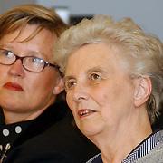 Opening huisartsenpost ziekenhuis Gooi-Noord Blaricum, minister Els Borst