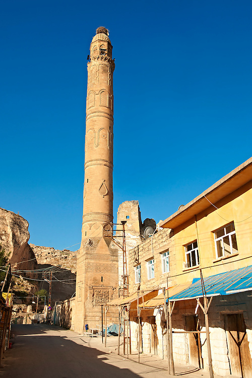El Rizk Mosque – The Mosque was built in 1409 by the Ayyubid sultan Süleyman and stands on the bank of the Tigris River. It has Kufic incriptions & decorations. Hasankeyf, Turkey 1 .<br /> <br /> If you prefer to buy from our ALAMY PHOTO LIBRARY  Collection visit : https://www.alamy.com/portfolio/paul-williams-funkystock/hasankeyf-turkey.html<br /> <br /> Visit our PHOTO COLLECTIONS OF TURKEY HISTOIC PLACES for more photos to download or buy as wall art prints https://funkystock.photoshelter.com/gallery-collection/Pictures-of-Turkey-Turkey-Photos-Images-Fotos/C0000U.hJWkZxAbg