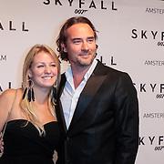 NLD/Amsterdam/20121028 - Inloop premiere nieuwe James Bond film Skyfall , Jeroen Nieuwenhuize en partner Kayla Bredewold