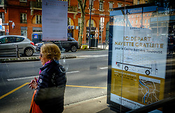 An old woman waits for a bus in the Boulevard de Strasbourg, Toulouse, France<br /> <br /> (c) Andrew Wilson | Edinburgh Elite media