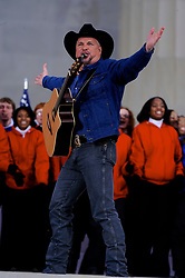Garth Brooks performs on stage during the Obama Inauguration Celebration on the steps of the Lincoln Memorial, Sunday Jan. 18, 2009.  (Brian Baer/ Sacramento Bee/ MCT) (Credit Image: © Sacramento Bee/ZUMA Press)
