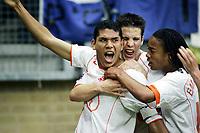 Fotball <br /> FIFA World Youth Championships 2005<br /> Nederland / Holland<br /> Foto: ProShots/Digitalsport<br /> <br /> kerkrade , 15-06-2005 <br /> nederland - australia <br /> <br /> hedwiges maduro scoort de 1-0 en wordt omhelst door ron vlaar en urby emanuelson