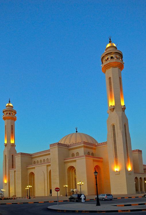 Bahrain, Big mosque  Al Fateh Manama city