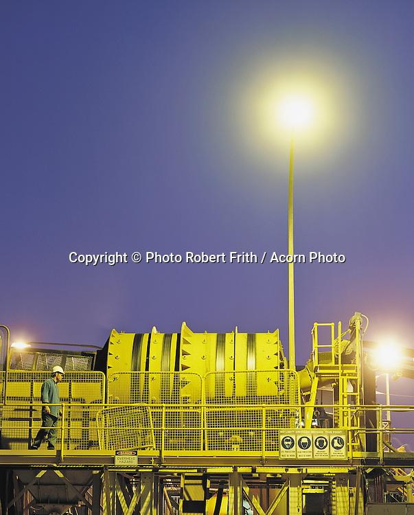 Trommel by night<br /> Kimberley Diamond Mine <br /> Ellendale