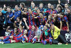 28-05-2011 VOETBAL: CHAMPIONS LEAGUE FINAL FC BARCELONA - MANCHESTER UNITED: LONDON<br /> Wayne Rooney celebrates scoringBarcelona with the trophy for winning the 2011 UEFA  Champions League final<br /> ***NETHERLANDS ONLY***<br /> ©2011- FotoHoogendoorn.nl/nph/Mitchell Gunn