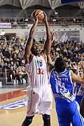 DESCRIZIONE : Roma Lega serie A 2013/14 Acea Virtus Roma Banco Di Sardegna Sassari<br /> GIOCATORE : Trevor Mbakwe<br /> CATEGORIA : schiacciata sequenza<br /> SQUADRA : Acea Virtus Roma<br /> EVENTO : Campionato Lega Serie A 2013-2014<br /> GARA : Acea Virtus Roma Banco Di Sardegna Sassari<br /> DATA : 22/12/2013<br /> SPORT : Pallacanestro<br /> AUTORE : Agenzia Ciamillo-Castoria/ManoloGreco<br /> Galleria : Lega Seria A 2013-2014<br /> Fotonotizia : Roma Lega serie A 2013/14 Acea Virtus Roma Banco Di Sardegna Sassari<br /> Predefinita :