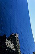 New York . buildings reflection on 59th  street.. New York - United states  / reflets des buildings sur la 59 eme rue. New York - Etats-unis  /