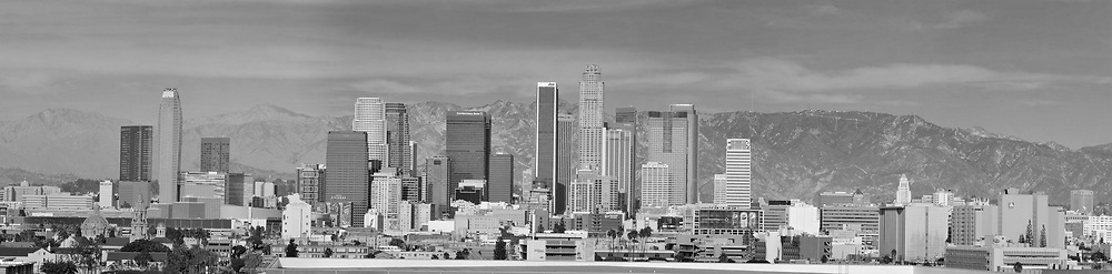 Grayscale - Black and White version of LAN-003. <br /> <br /> Panoramic available up to 15795 x 3897 pixels.