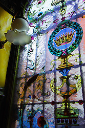 Painted and etched glass in 'The Crown Bar', Belfast<br /> <br /> (c) Andrew Wilson | Edinburgh Elite media