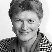 NLD/Huizen/19911114 - Tineke Blakmoor-Otting PVDA raadslid gemeenteraad Huizen
