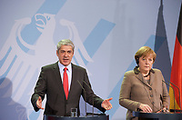 DEU, Deutschland, Germany, Berlin, 02.03.2011:<br />Der portugiesischen Premierminister Jose Socrates und Bundeskanzlerin Angela Merkel während einer Pressekonferenz im Bundeskanzleramt.
