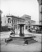 0805-A01B.  Skidmore Fountain. Looking north and west. 1910s. SW First St. & Ankeny. 1912, Portland, Oregon
