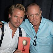 """NLD/Amsterdam//20170601 - Boekpresentatie """"En Nu Ik"""" van Peter Römer en partner Annet Hock , Peter Romer met  zoon Thijs Romer"""