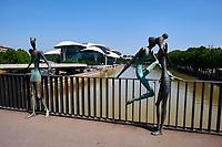 Georgie, Caucase, Tbilissi, vieille ville, Mtkvari rivière, Pont Baratashvili // Georgia, Caucasus, Tbilisi, old city, Mtkvari river, Baratashvili Bridge