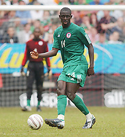 Fotball<br /> Photo: Daniel Hambury, Digitalsport<br /> NORWAY ONLY<br /> <br /> 29.05.2004<br /> Irland V Nigeria<br /> <br /> Nigeria's Seyi Olofinjana