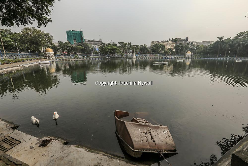 20171029 Kolkata Calcutta Indien<br /> Maidan<br /> Damm  i Maidan<br /> <br /> <br /> ----<br /> FOTO : JOACHIM NYWALL KOD 0708840825_1<br /> COPYRIGHT JOACHIM NYWALL<br /> <br /> ***BETALBILD***<br /> Redovisas till <br /> NYWALL MEDIA AB<br /> Strandgatan 30<br /> 461 31 Trollhättan<br /> Prislista enl BLF , om inget annat avtalas.