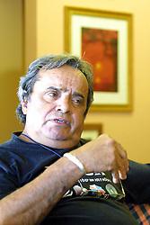 O fotojornalista e criador da primeira agência de fotojornalismo no RS, Assis Hofmann. FOTO: Jefferson Bernardes/Preview.com