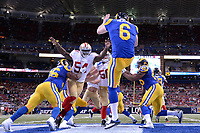 13 October 2014: San Francisco 49ers Linebacker Nick Moody (54) 18755 pressures St. Louis Rams Punter John Hekker (6) 14443 in action during the Monday Night Football game between the St. Louis Rams and the San Francisco 49ers at the Edwards Jones Dome, in St. Louis, MO. NFL American Football Herren USA OCT 13 49ers at Rams PUBLICATIONxINxGERxSUIxAUTxHUNxRUSxSWExNORxONLY Icon10131472949<br />