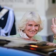 NLD/Amsterdam/20130429 - Inhuldiging Koning Willem - Alexander, aankomst prins van Wales Charles en de hertogin van Cornwell Camilla Parker Bowles