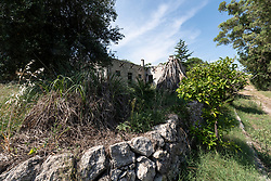 Castellaneta, Taranto. Vecchio casolare di campagna nei pressi di Grotte di Sileno.