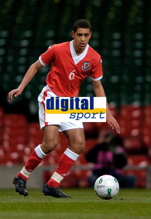 Photo: Richard Lane.<br />Wales v Paraguay. International Friendly. 01/03/2006. <br />Wales' Lewin Nyatanga (lt) on his debut.