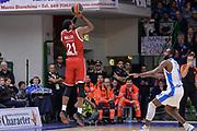 DESCRIZIONE : Eurolega Euroleague 2015/16 Group D Dinamo Banco di Sardegna Sassari - Brose Basket Bamberg<br /> GIOCATORE : Darius Miller<br /> CATEGORIA : Tiro Tre Punti Three Point Controcampo<br /> SQUADRA : Brose Basket Bamberg<br /> EVENTO : Eurolega Euroleague 2015/2016<br /> GARA : Dinamo Banco di Sardegna Sassari - Brose Basket Bamberg<br /> DATA : 13/11/2015<br /> SPORT : Pallacanestro <br /> AUTORE : Agenzia Ciamillo-Castoria/L.Canu