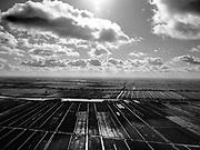 Nederland, Utrecht, Oudewater, 25-02-2020; Oudewater in de voorgrond, Lopikerwaard, strokenverkaveling in tegenlicht. Foto richting Polsbroekerham, Lopik met meetmast Cabauw - KNMI en rivier de Lek aan de horizon.<br /> Lopikerwaard, allotment subdivision in backlight.<br /> luchtfoto (toeslag op standard tarieven);<br /> aerial photo (additional fee required)<br /> copyright © 2020 foto/photo Siebe Swart