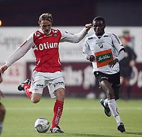 Fotball <br /> Adeccoligaen<br /> AKA Arena , Hønefoss <br /> 20.09.09<br /> Hønefoss BK  v Bryne  1-1<br /> <br /> Foto: Dagfinn Limoseth, Digitalsport<br /> Ronny Espedal , Bryne og Umaru Bangura , Hønefoss