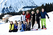 Fotosessie met de koninklijke familie in Lech /// Photoshoot with the Dutch royal family in Lech .<br /> <br /> Op de foto/ On the photo: Koningin Maxima, Koning Willem Alexander, Prinses Amalia, Prinses Alexia en Prinses Ariane met Prinses Beatrix en Prinses Laurentien en Prins Constantijn ///// Queen Maxima, King Willem Alexander, Princess Amalia, Princess Alexia and Princess Ariane with Princess Beatrix and Princess Laurentien and Prince Constantijn