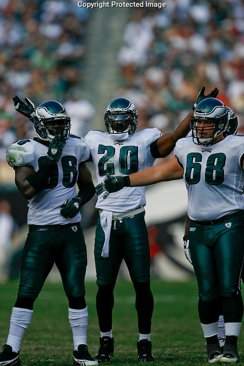 5 Oct 2008: Philadelphia Eagles safety Brian Dawkins #20 interacts with the crowd during the game against the Washington Redskins on October 5th, 2008. The Redskins won 23-17 at Lincoln Financial Field in Philadelphia, Pennsylvania.