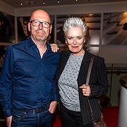 NLD/Amsterdam//20170420 - Premiere Slippers, Doris Baaten en partner Joris