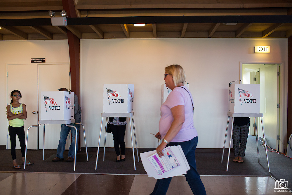 Voters cast their ballots at Pioneer Mobile Home Park during the California Presidential Election in Milpitas, California, on June 7, 2016. (Stan Olszewski/SOSKIphoto)