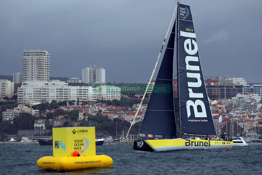 November 3, 2017 - Lisbon, Portugal - Team Brunel captained by Dutch Bouwe Bekking in action during the Volvo Ocean Race 2017-2018 In-port Race at the Tagus River in Lisbon, Portugal on November 3, 2017. (Credit Image: © Pedro Fiuza/NurPhoto via ZUMA Press)