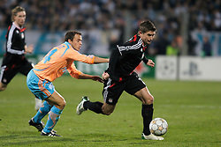 MARSEILLE, FRANCE - Tuesday, December 11, 2007: Liverpool's Harry Kewell in action against Olympique de Marseille's Laurent Bonnart during the final UEFA Champions League Group A match at the Stade Velodrome. (Photo by David Rawcliffe/Propaganda)