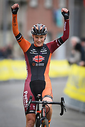 January 5, 2019 - Gullegem, BELGIUM - Belgian Loes Sels celebrates as she crosses the finish line to win the women elite race of the Gullegem Cyclocross, Saturday 05 January 2019 in Gullegem, Belgium. BELGA PHOTO DAVID STOCKMAN (Credit Image: © David Stockman/Belga via ZUMA Press)