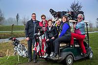 AMSTELVEEN - Vriendenclub golf. drie echtparen. COPYRIGHT KOEN SUYK