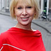 NLD/Den Bosch/20120214 - Valentijnslunch 2012 Addy van den Krommenacker, Monique des Bouvrie