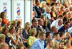 27-09-2015 NED: Volleyball European Championship Nederland - Polen, Apeldoorn<br /> Nederland verslaat Polen met 3-1 / Omnisport Apeldoorn kleurt Oranje support publiek Peter Sprenger, Michel Everaert