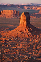 Big Indian formation looking west in Monument Valley