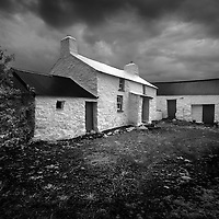 Plagiarism Alert: I saw this cottage on the cover of a book by David Wilson whilst on holiday in Pembrokeshire. I'd been shooting some IR of the lovely little farmhouses anyway so when I stumbled across it I couldnt resist a shot of it. Its now a natonal trust hliday let, Treleddyd Fawr. I bought the book so I don't feel too bad.